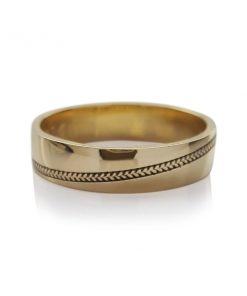 Geelgouden Ring Met Vlecht